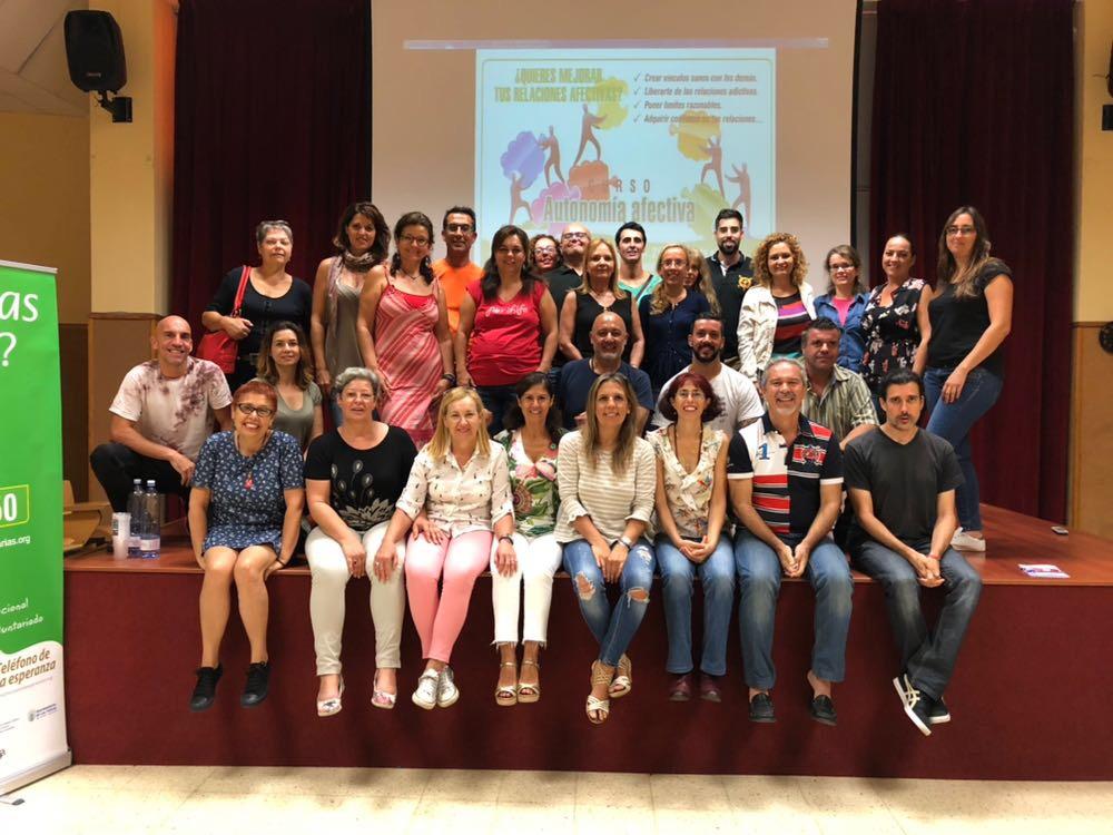 Participantes y miembros del Departamento de Formación del Teléfono de la Esperanza en Canarias