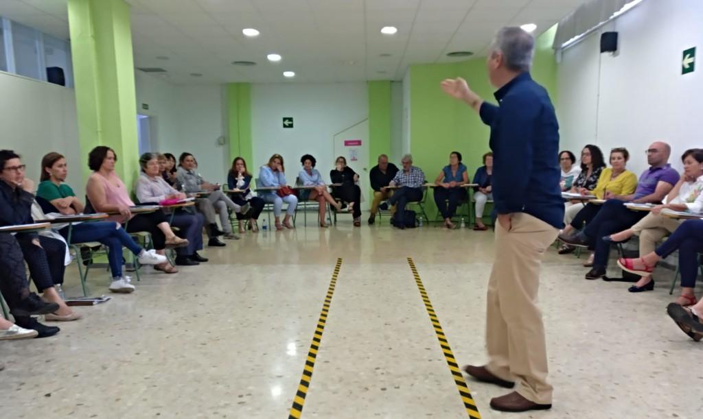 Gonzalo Naranjo durante el taller