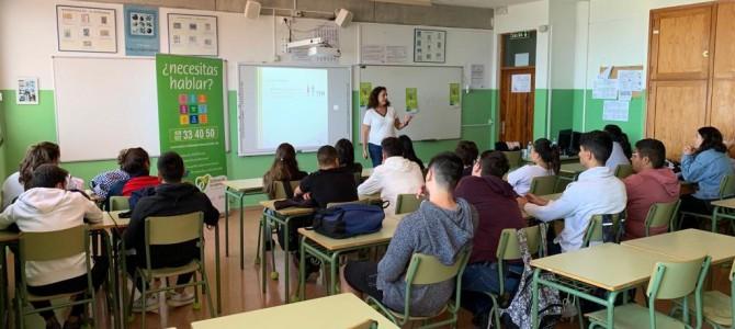 Teléfono de la Esperanza en la Semana de la Solidaridad del IES Telesforo Bravo de Tenerife